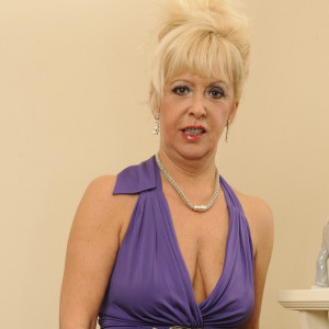 April - I'm a mature, experienced lady. I'm also extremely bendy and flexible!