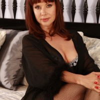 """Jackie - I am 5ft 9"""" in height, I'm a dress size 12, my hair is shoulder length chestnut brown."""