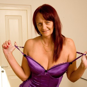 Lorri - I'm currently home alone and seen as though I'm one of life's pleasure seekers I'm looking for some company to have some pleasure with.