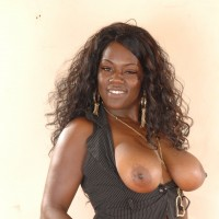 Donna - Hi I'm Donna, I will be your very own BBW Big Black Beautiful Woman, with big tits huge arse and curves that just drive you wild.