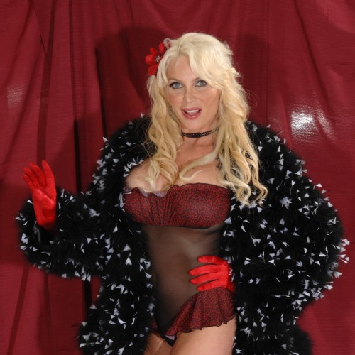 Suzie - I am a double G bust. I love wearing sexy underwear with stockings and suspenders and I'm here to please you.