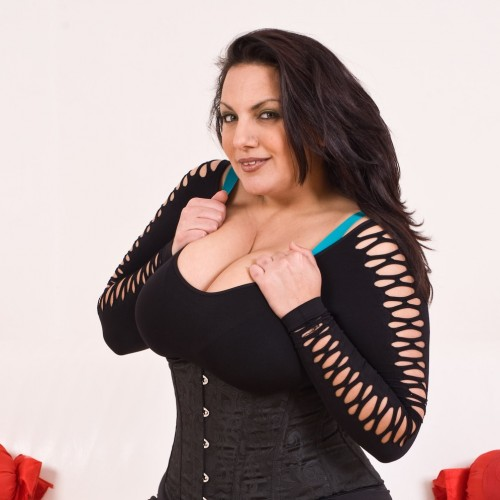 Donna - I'm a very naughty married lady who loves playing with lots toys and I have quite the collection and I'm bisexual. Call me on 1897..