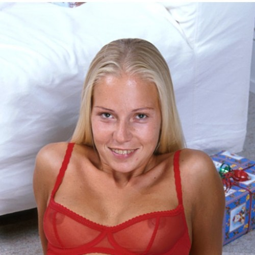 Alexis - Hi there guys, my name is Alexis and I am just 21 years of age.  I have waist length blonde hair and piercing blue eyes.  I have a size 6 figure, tanned and toned body and an amazing 32DD bust.