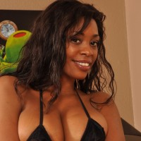 Profile image of Naomi