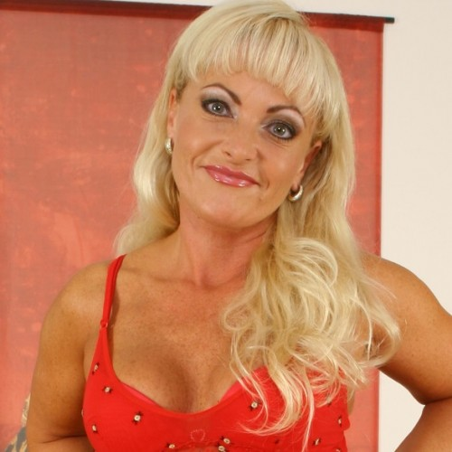 Debbie - Hi Its Debbie here, I'm 5 ft. 6 with blond hair and blue eyes. I love talking to men, so why don't you give me a call on agent number 1888.