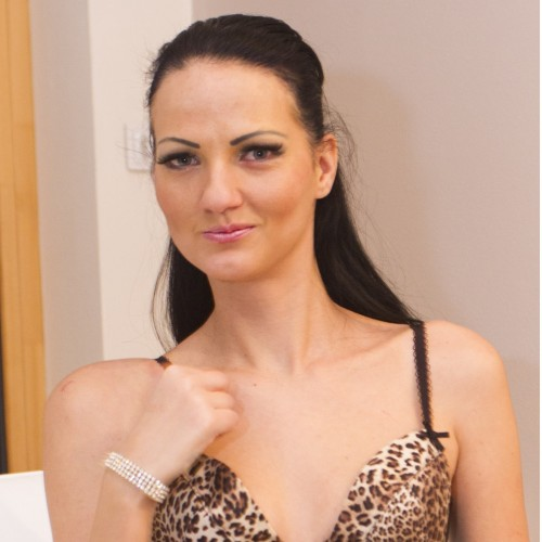 Clare - Hi guys, my name is Clare,  I love cock of ANY size, I can be slutty or submissive, although I can switch pretty quickly and be a very strict Mistress.