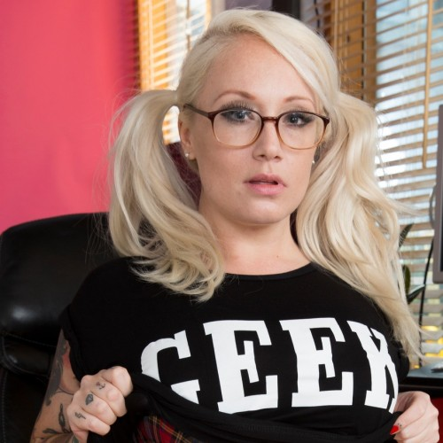 Bella - Hi ya, my name is Bella, I'm a Geordie lass I'm 20 years old I'm curvy, I have got bleached blonde hair. I have hazel eyes big lashes and tattoos, I love to chat give me a call my agent number is 7120
