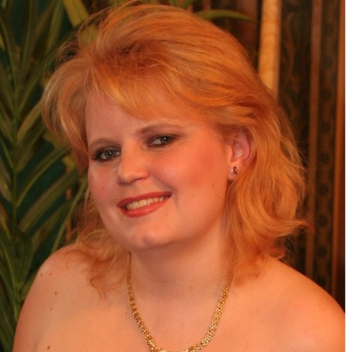 Sadie - Hi guys, Sadie here, I'm a mature, voluptuous, red head with hazel eyes and creamy pale skin.  My measurements are 38 DD -26 -  38.