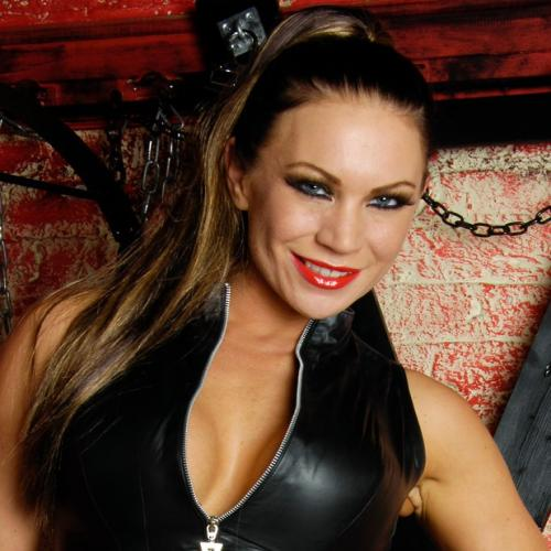 Mistress Clara - Hi, I'm Mistress Clara and I want you boys to step in to my chambers. I love wearing Latex and high heeled shoes, I love BDSM I am waiting for you.