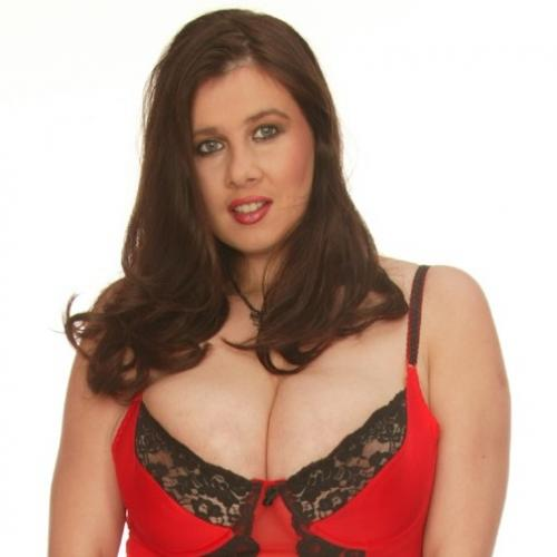 Foxy Roxy - I am an olive skinned Goddess with green eyes and long black hair.  Great for giving a tug!  I have a beautiful bouncy pair of tits waiting for you to play with, so give Foxy Roxy a call